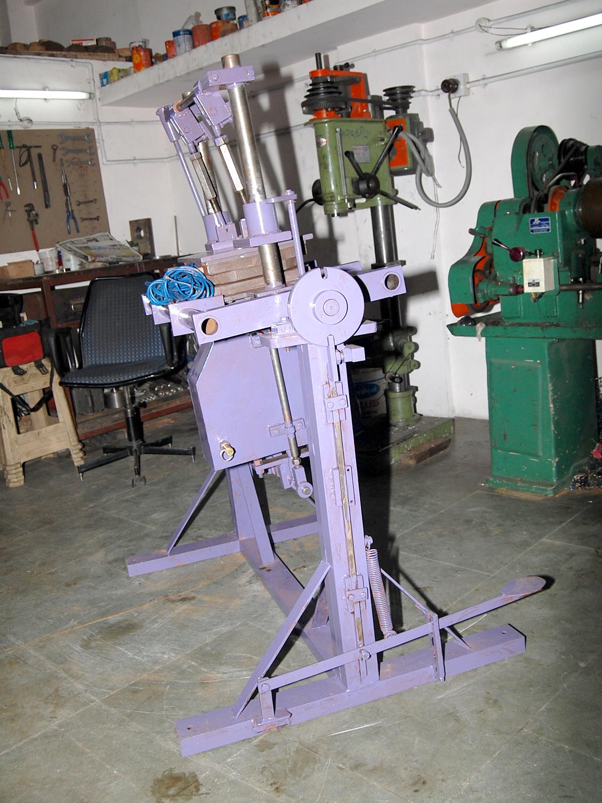 STINDUP SHEL MOULDING MACHINE